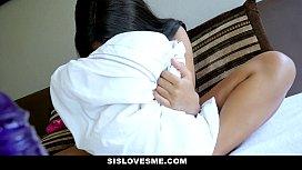 SisLovesme- New Step-Sis (Jenna Foxx) Loves My Cock