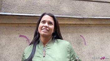 German Scout - Chloe fur Geld in ihren Arsch gefickt bei erstem Porno Dreh