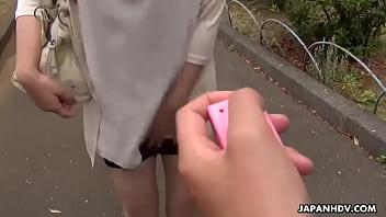 Japanese girlfriend, Yuna Hoshizaki is sucking her boyfriend's dick, uncensored 56 sec