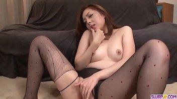 Maki Mizusawa spreads wide for cock and sucks in the same time - More at Slurpjp.com