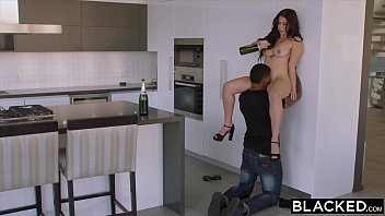 Watch video sex 2020 BLACKED Curvy Latina Gets Dominated By A Famous Rapper HD in TubeXxvideo.Com
