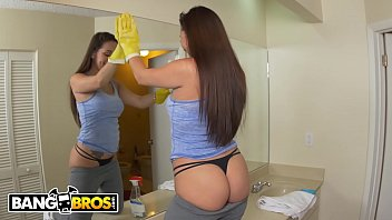 BANGBROS - Latina Maid Evie Olson Cleans The Kitchen And Jmac's Big Cock