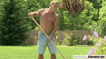 Muscle guy fucks a hot mature