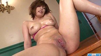 Ririsu Ayaka plays with dildo on her moist vagina 12 min