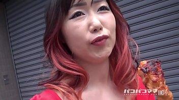 石井玲子 おばさんぽ ~赤一色!ヤクマンみたいな熟女~ 1 12 min