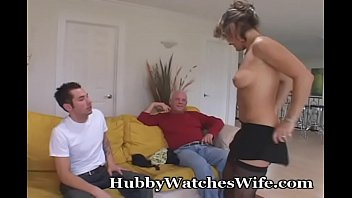 Download video sex new Mom Is Focused On Young Stud of free