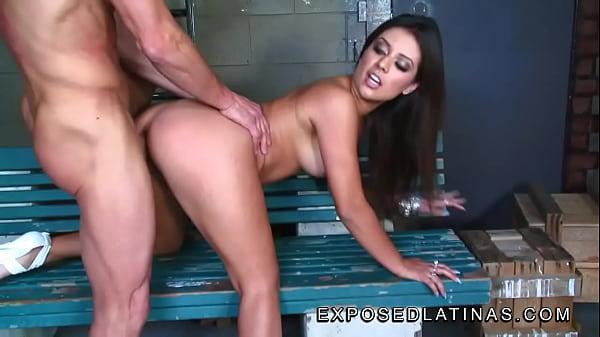 Latina Pornstar Getting Fucked - exposedlatinas.com Beautiful latina pornstar Jynx Maze gets fucked from  behind by her boyfriend - XNXX.COM
