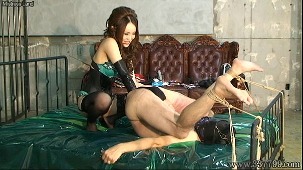 French mature maid satisfies