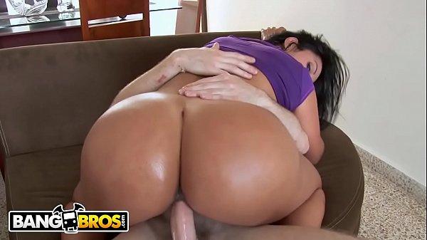Twerking Big Tits Ass Solo
