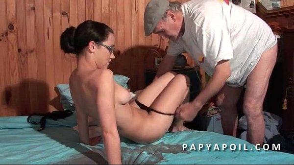 Films et Videos porno papy baise