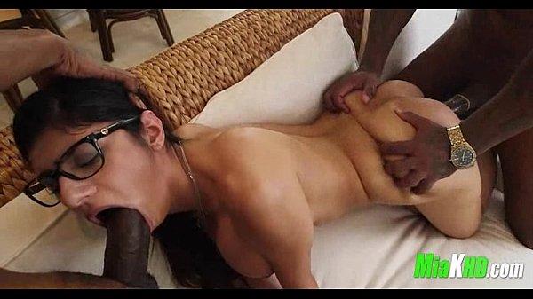 Mia khalifa with 5 guys porn video Mia Khalifa Takes 2 Big Black Cocks 5 95 Xnxx Com