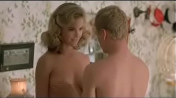 Kelly Preston Nude