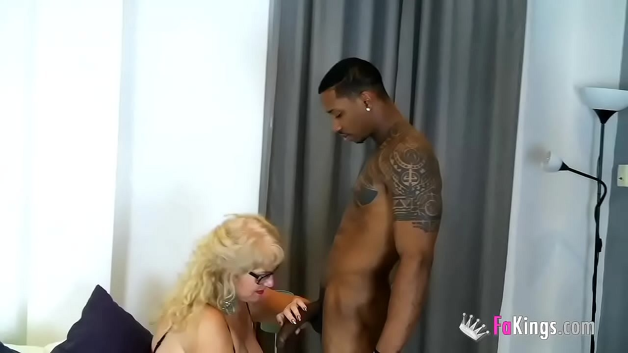 Super-Mature Mrs. Fina bangs a black dude! Jesus enjoys the pleasures of 3rd age