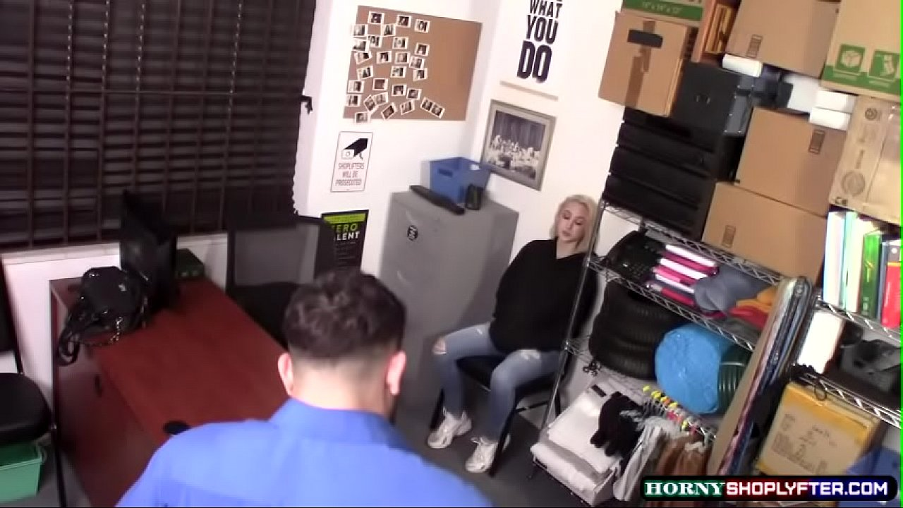 Shoplifter Skylar Vox kneels and suck LPs big cock
