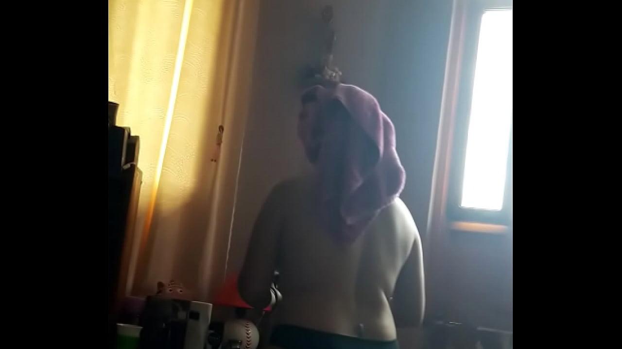 mi vieja acabadita de salir de bañar