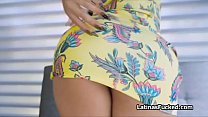 Curvy Latina amateur rides hard dick like a rea...