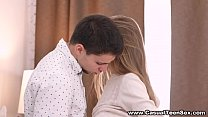 Skinny blonde penetrated by amateur muscly cock