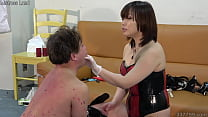 Japanese Mistress trains masochistic man with d...