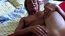 Super sexy old spunker in stockings fucks her s...