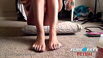 Foot Fetish Babe Harley Jaylee Teases You by Gi...