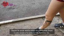 Cristina Almeida chupando um desconhecido enqua...