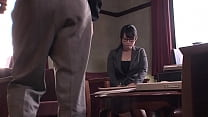 Cute japanese office angel offers a blow job to...