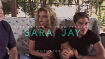 Estelleandfriends: Sara Jay reçoit ue caméra po...