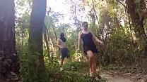 Làm tình ngay trong rừng khi dã ngoại cùng cả lớp
