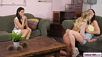 Brunette teen having 3some with stepmom and her...