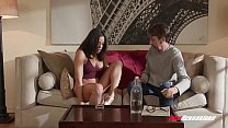 Latina Hottie Luna Star Squirts Everywhere Whil...