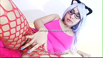 In kitty cosplay she puts her finger in her ass
