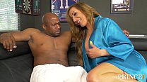 MILF WIFE RICHELLE RYAN OFFERS HER HOLES TO THE...