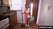 Asian brunette maid Cindy Starfall with tight b...