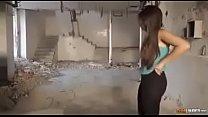 Cacherita Polola rica en una construcción abandonada sexo duro pussy