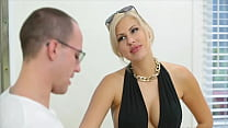 Milfy Emma Hix wants to have a great ride with ...