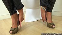 Hot milf Gabby Fox from England does naughty th...