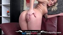 Gianna Ray gapes her pussy to fuck a giant dildo