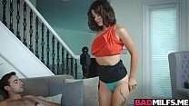 Silvia Saige gave Izzy an introduction to a mal...
