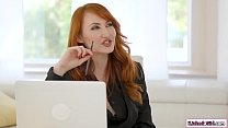 Redhead boss makes her incompetent assistant ea...