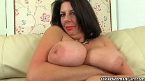 Buxom milf Camilla Creampie from the UK lets he...