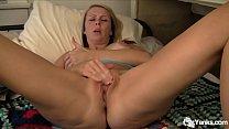 Big breasted amateur Yanks MILF Kylie Deville m...