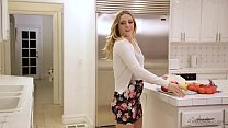 Lesbian Sex in_kitchen gone wild Thumbnail