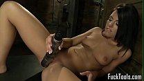 Sexy young babe takes drilldo then cums all over a sybian Thumbnail