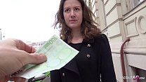 GERMAN SCOUT - Schuelerin Alessandra auf der St...
