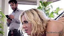 Tommy Pistol anal fucks sexy blonde wife and te...