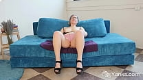 Amateur babe in glasses from Yanks Clementine m...