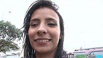 OyeLoca Latina Abril Santamaria Lilly Lopez les...