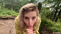 Cute girl takes it deep in her mouth under the ...