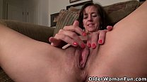 USA milf Tricia teases us with her big boobs an...