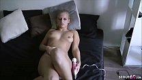 German Teen - 18 Jahre junge Maus beim Pussy sp...